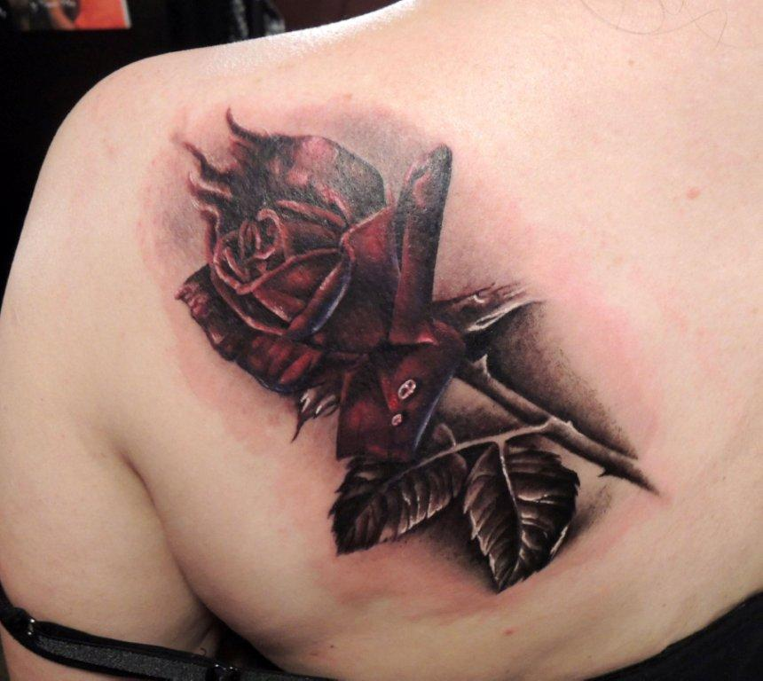 Klassiker unter den Tattoos: eine Rose (Foto by Christiane Buyx)