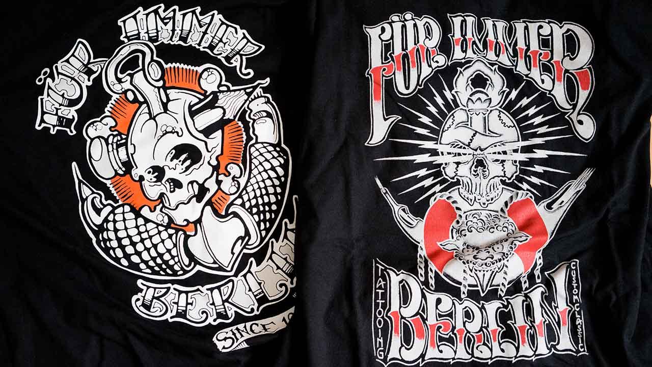Zu gewinnen: zwei T-Shirts vom Für Immer Tattoo Studio