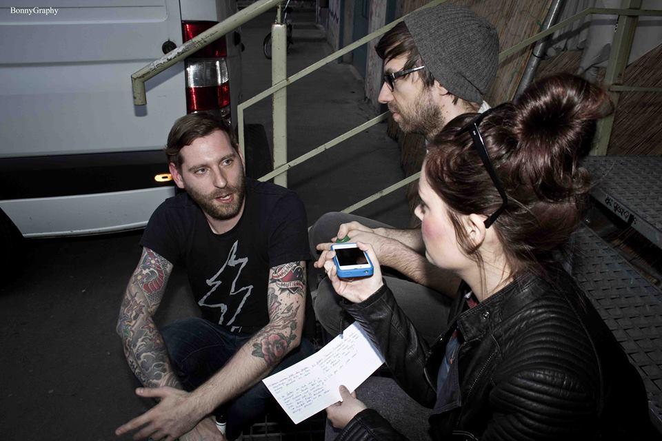 Vicky im Gespräch mit den Jungs von KMPFSPRT (Foto by BonnyGraphy)